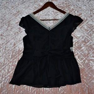 Liz Claiborne Tops - Liz Claiborne Shirt Size 6 Black Ivory Lace